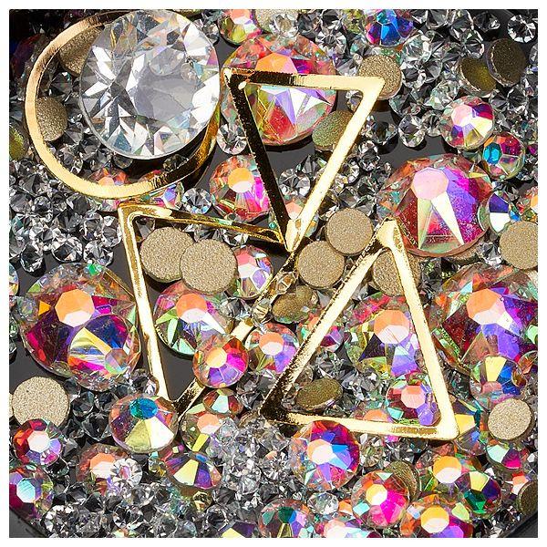 Decor unghii caviar, cristale si forme metalice #02